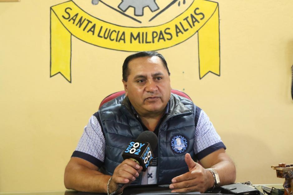 El alcalde interino, Amalio Acajabón, explica que tienen una patrulla y siete agentes para todo el municipio. (Foto: Alejandro Balán/Soy502)