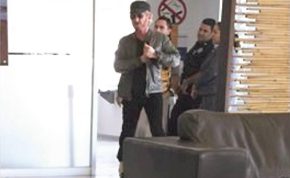El actor estadounidense Sean Penn viajó junto a Kate del Castillo en el avión Hawker 900XP. (Foto: www.eluniversal.com.mx)