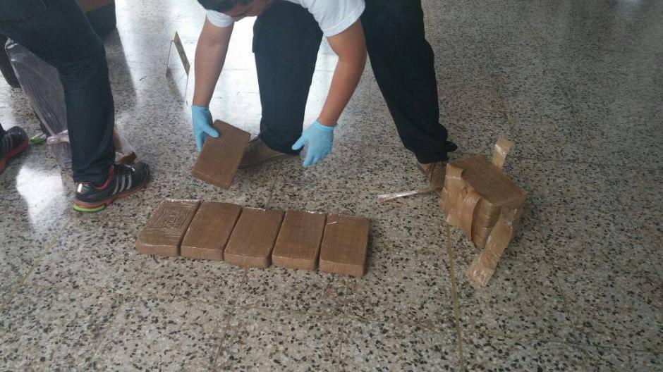 Se contabilizó 180 paquetes que al realizar la prueba dieron positivo. (Foto: Ministerio Público)
