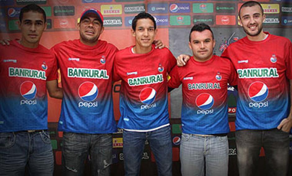 El futbolista chileno Leonardo Monje jugó para Municipal en 2013. (Foto: La Tercera)