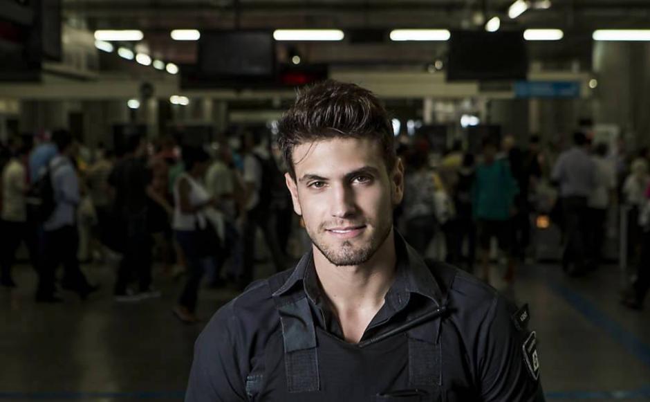 Leao causó furor desde que empezó a trabajar en el Metro de Sao Paulo. (Foto: Gilherme Leao/Facebook)