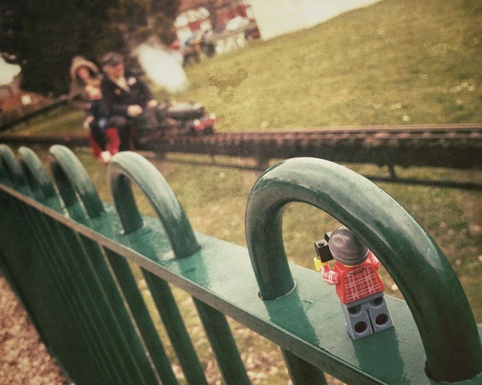 El Legógrafo en el parque. (Foto: Andrew Whyte)