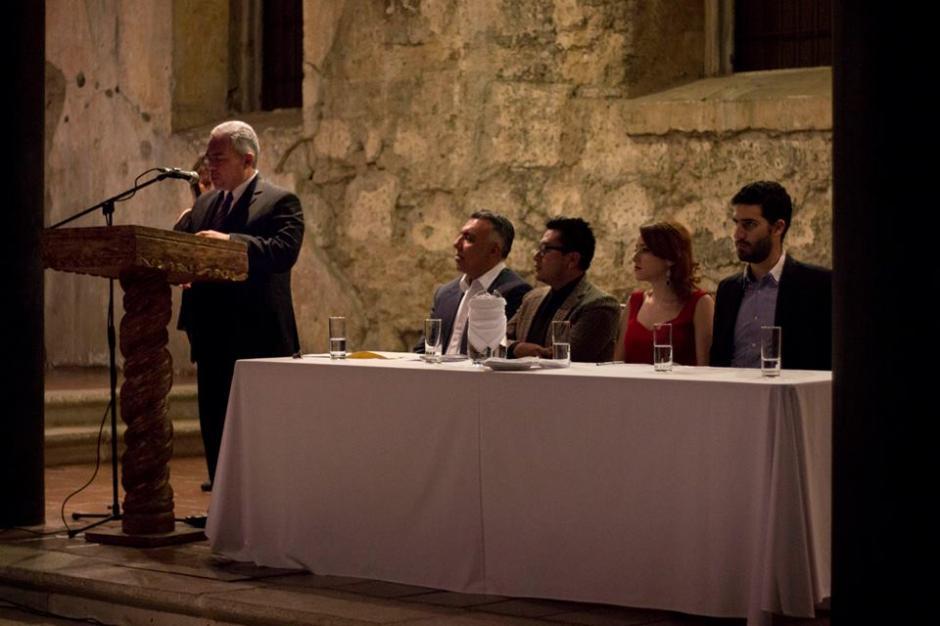 Durante la presentación del poemario en Casa Santo Domingo. (Foto: Gerardo Del Valle)