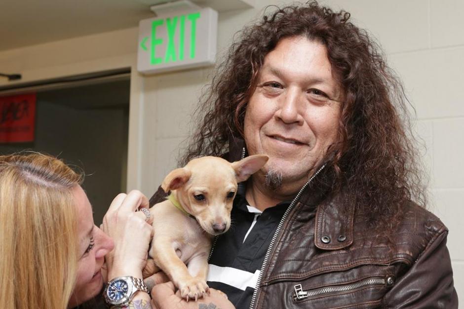 """Chuck Billy, de la banda Testament, también se divierte con """"Slayer"""". (Foto: Motley Zoo Animal Rescue)"""