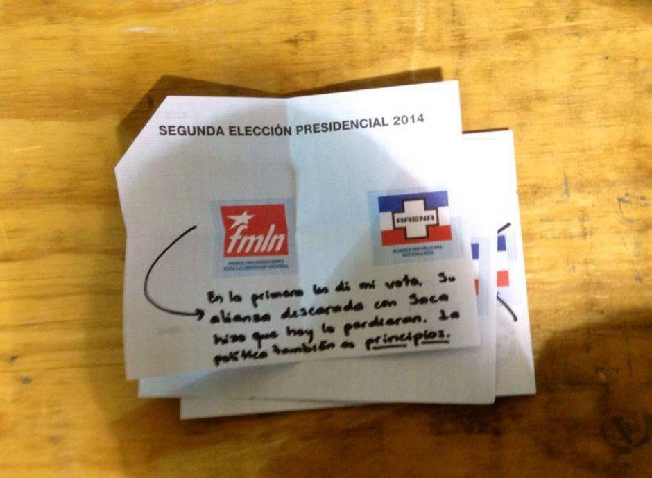 """Otro voto nulo con una inscripción acerca de los """"principios"""". (Foto: El Faro)"""