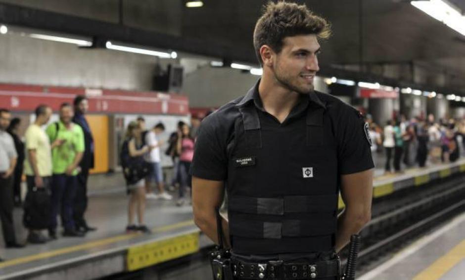 Todo empezó por un concurso que realizó el Metro de Sao Paulo para elegir al guardia más guapo de las dos líneas que funcionan en el tren subterráneo. (Foto: Guilherme Leao/Facebook)