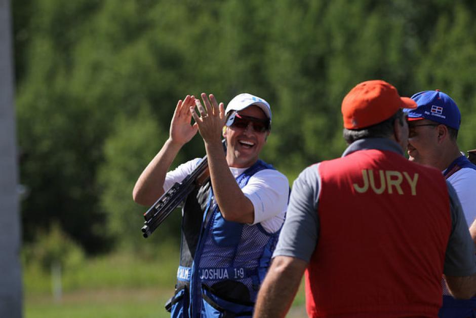 Hebert Brol celebra un gran triunfo en los Juegos Panamericanos de Toronto.(Foto: Comité Olímpico Guatemalteco)