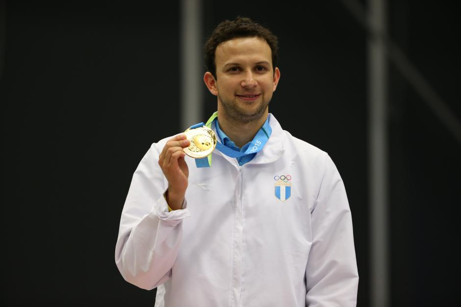 Kevin Cordón se cosagró como bicampeón de América, tras sus triunfos en 2011 y ahora en 2015. (Foto: Comité Olímpico Guatemalteco)