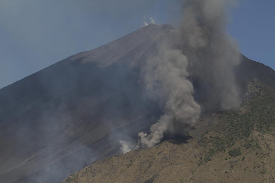 La actividad del volcán de Pacaya, ubicado a 47 kilómetros al sur de la capital guatemalteca, ha disminuido en las últimas horas. (Foto: Wilder López/Nuestro Diario)