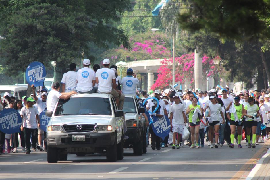 La caminata inició en el Obelisco y finalizó cerca del estadio Mateo Flores. (Foto: José Dávila/Soy502)