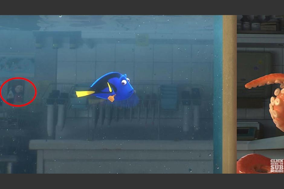"""Darla, temida por los peces del dentista, aparece en el acuario de """"Buscando a Dory """". (Foto: Captura YouTube)"""