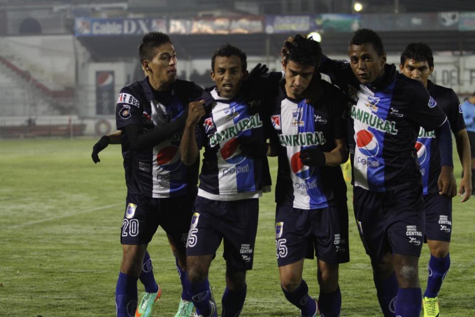 Suchitepéquez toma el liderato a falta de 5 jornadas para que cierre la fase de clasificación. (Foto: Nuestro Diario)