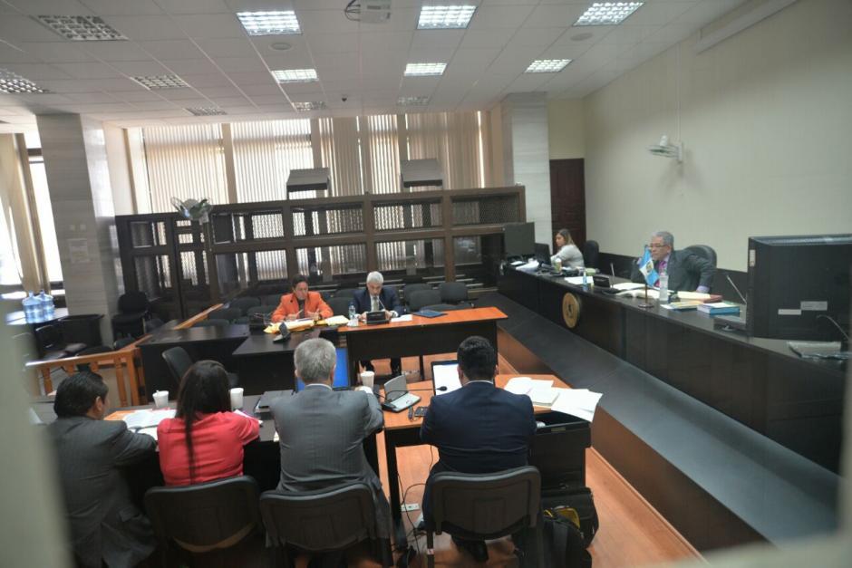 El juez Miguel Ángel Gálvez no permitió el ingreso de periodistas y la audiencia se realizó bajo reserva. (Foto: Wilder López/Soy502)