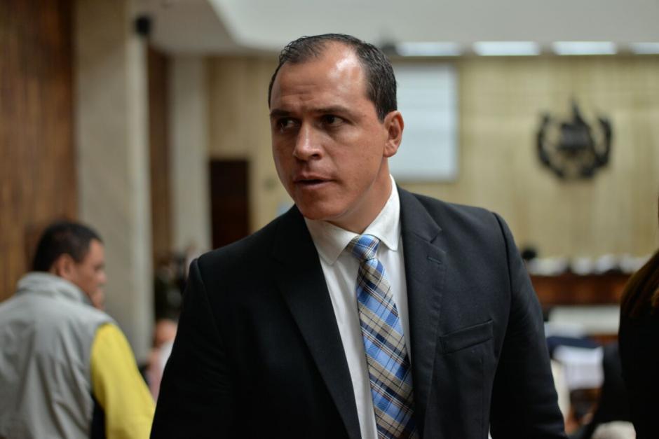 Dwight Pezzarossi pidió al juez Miguel Ángel Gálvez que le otorgue medidas sustitutivas. (Foto: Wilder López/Soy502)
