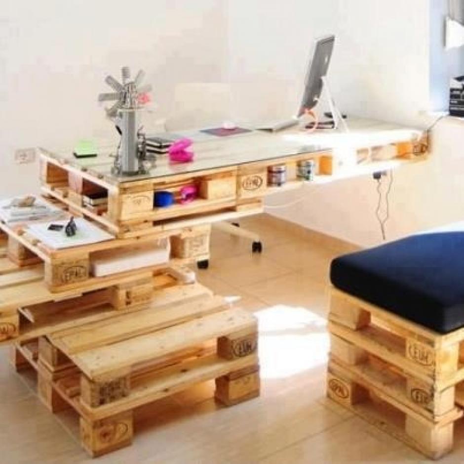 coloca varias tarimas de forma que estn estables y convirtelas en una oficina nica y modernafoto pinterest