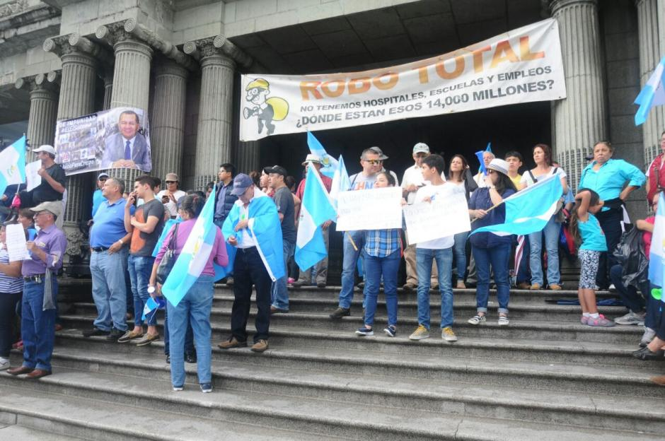 Al menos 5 mil personas participaron en una manifestación contra la corrupción. (Foto: Alejandro Balán/Soy502)