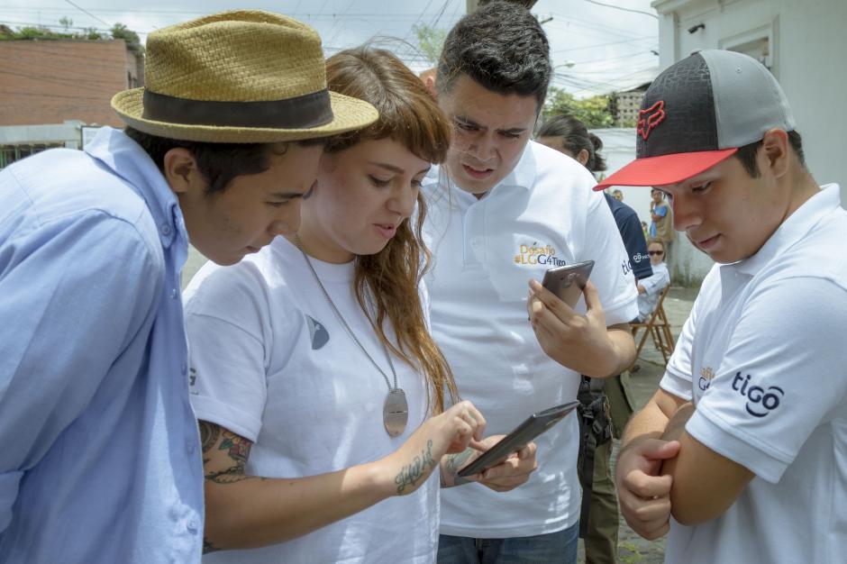 8 instagramers, de los más seguidos en el país, se dieron cita para demostrar sus destrezas con la cámara del nuevo LG G4.(Foto: Soy502)