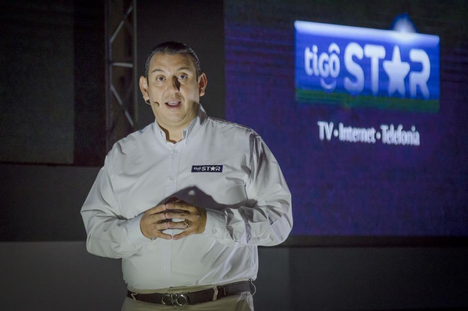 """""""Este servicio es una solución que cubre las necesidades de estar conectado y en línea con el hogar"""", afirmó Martínez. (Foto: Eddie Lara/Soy502)"""