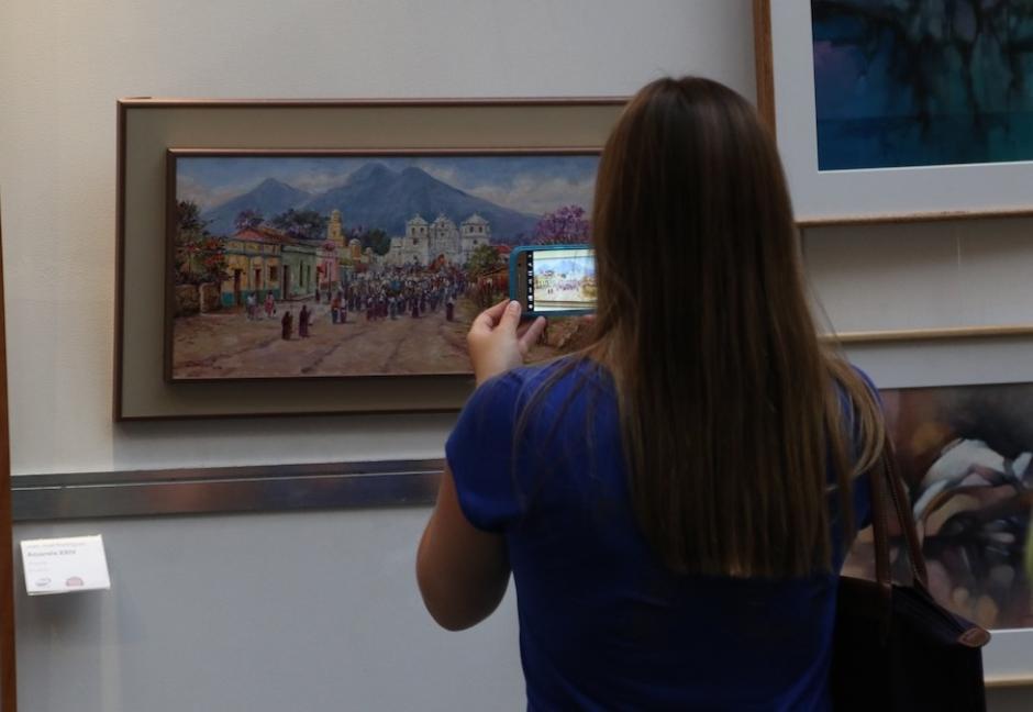 La Colectiva de Arte Junkabal reúne lo mejor de los artistas nacionales por una buena causa. (Foto: Alejandro Balán/Soy502)