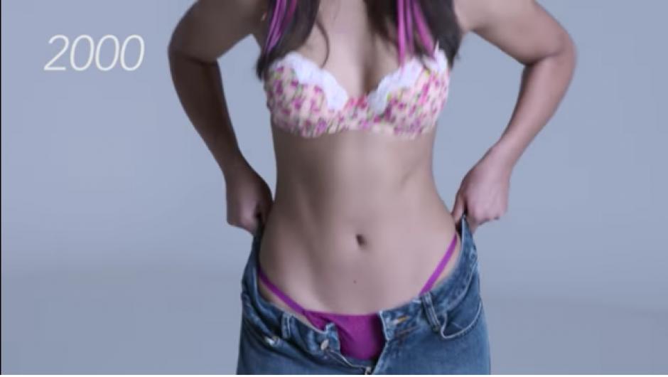 Es hasta los 2000 que se aprecia la ropa interior mucho más pequeña. (Foto: Tomado de YouTube)