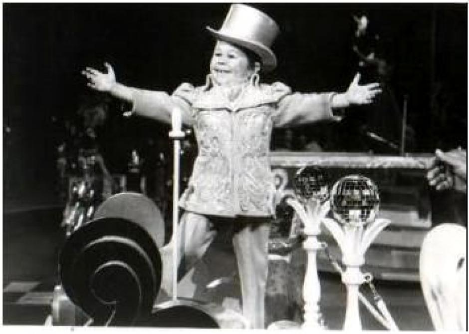 """El actor Mihaly """"Michu"""" Meszaros, fue el encargado de dar vida al extraterrestre Alf. (Foto: mundotkm.com)"""