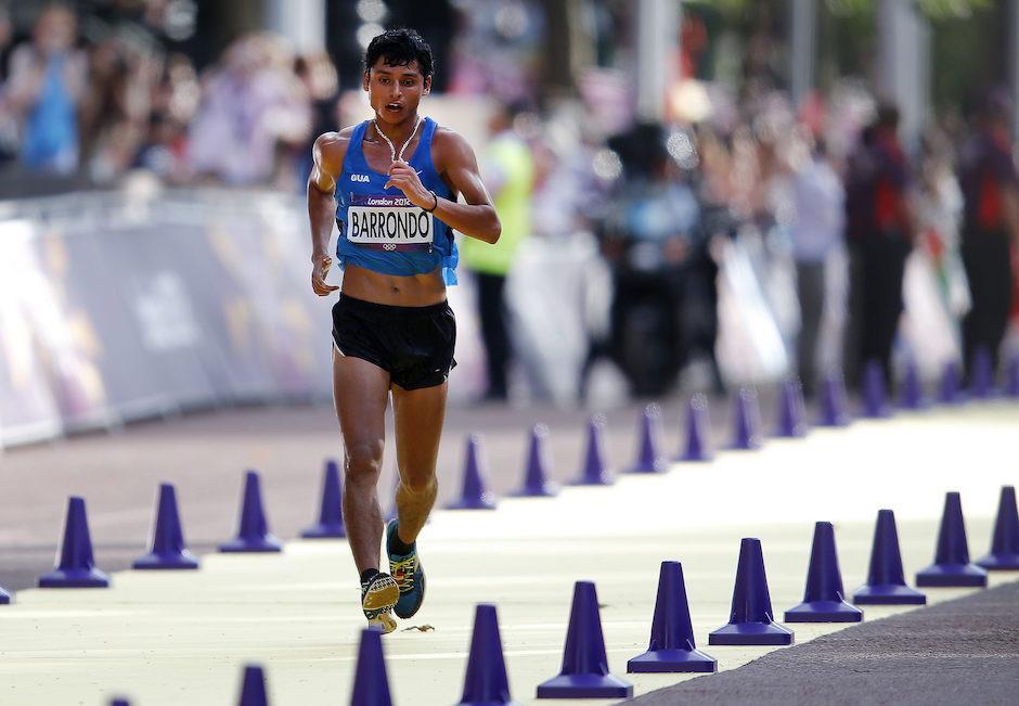 Erick Barrondo en los últimos 200 metros para cruzar la meta y ganar la medalla para Guatemala. (Foto: Archivo/Soy502)