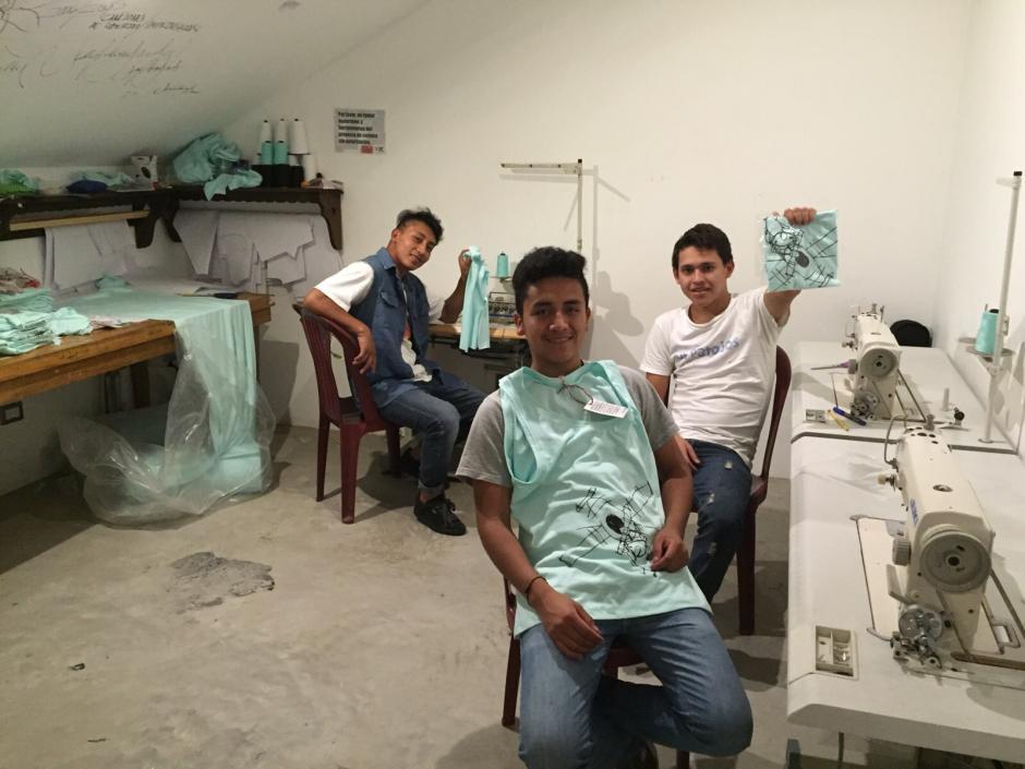 Los integrantes del proyecto se sienten satisfechos por este primer paso en el mundo de la moda. (Foto: Juan Pablo Romero Fuentes)