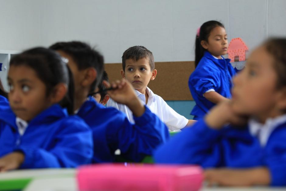 Los niños de la Escuela Adentro reciben educación de primer nivel. (Foto:George Rojas/Soy502)