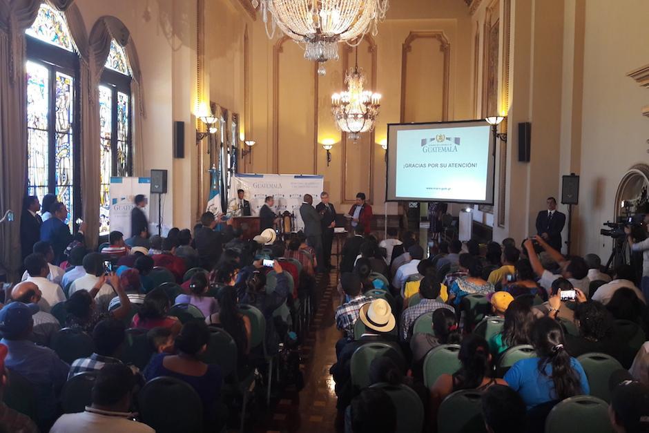 El informe fue entregado a los dirigentes de la Marcha por el Agua. (Foto: Javier Lainfiesta/Soy502)