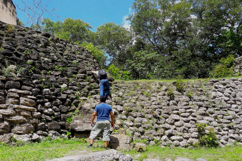 Dentro de Uaxactún hay una ciudad maya del preclásico. (Foto: Javier Lainfiesta/Soy502)