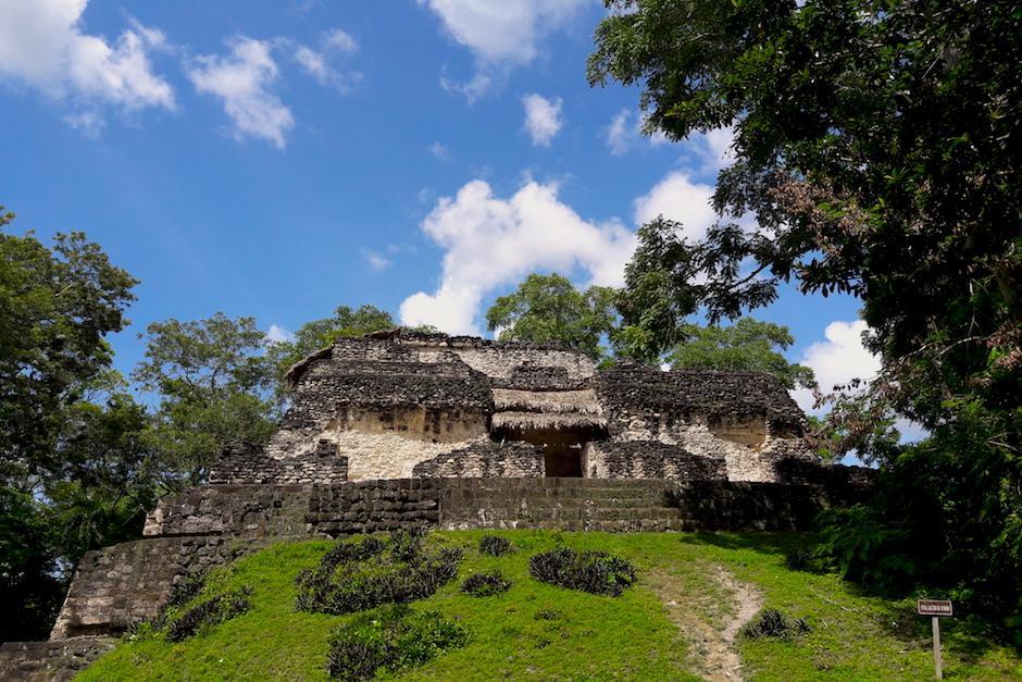 El Palacio XVIII es la ruina maya más grande del lugar. (Foto: Javier Lainfiesta/Soy502)