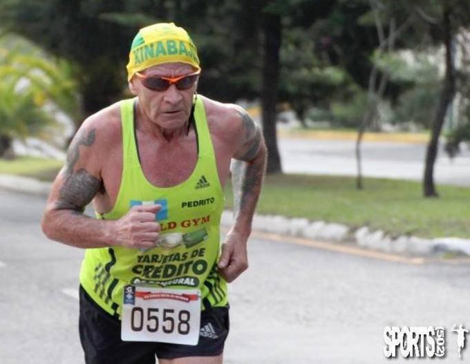 El atleta lleva más de 50 años practicando este deporte. (Foto: Pedro Recinos)