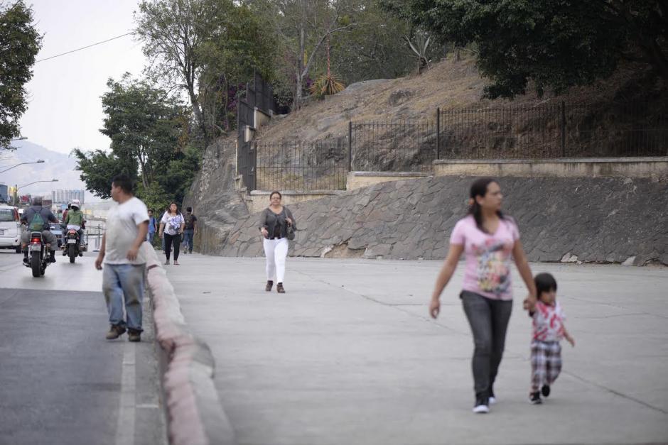 La PNC investiga el lugar por narcomenudeo. (Foto: Wilder López/Soy502)