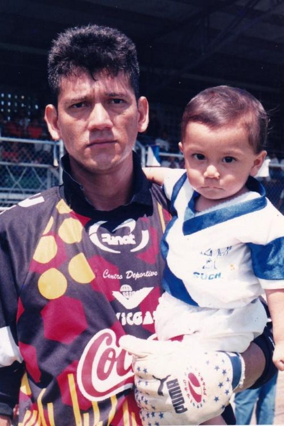 Josué Danny Ortiz junto a Josué Daniel en Suchitepéquez. (Foto: Daniel Ortiz)