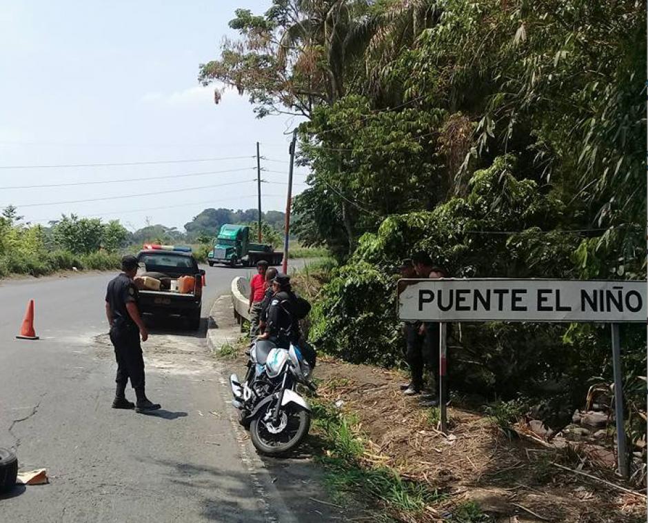 Los agentes de PNC bachearon el tramo entre los kilómetros 174 y 175. (Foto: Canal 46)