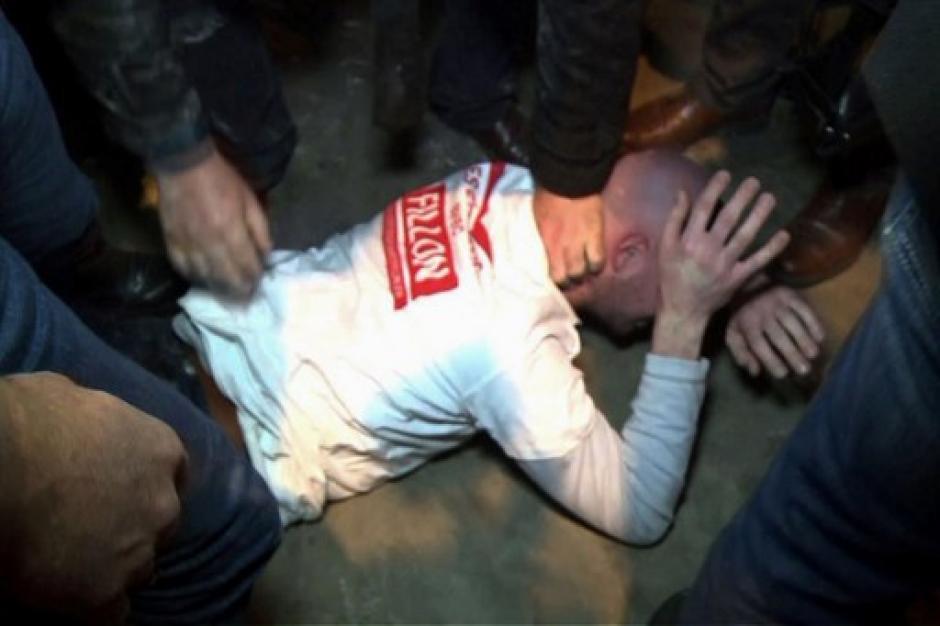 El agresor fue detenido, pero ya había cometido la agresión. (Foto: AFP)