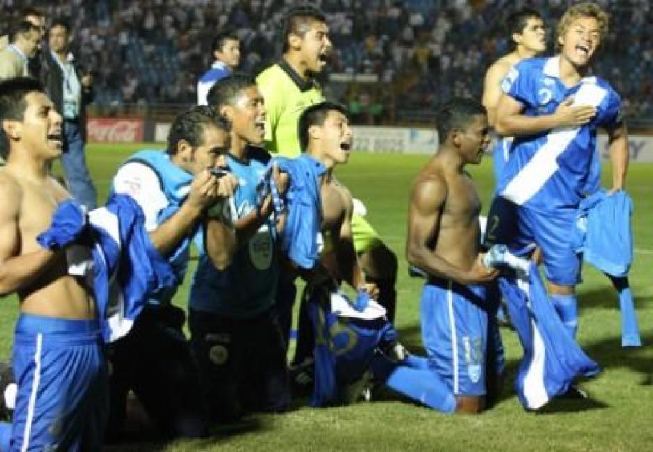 Los seleccionados lloraron al conssguir el objetivo. (Foto: Fedefutbol)
