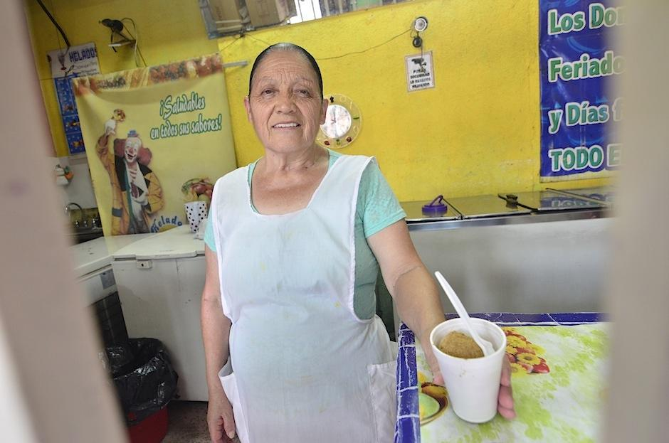 Doña Hortencia, la dueña de Helados Marylena. (Foto: Selene Mejía/Soy502)