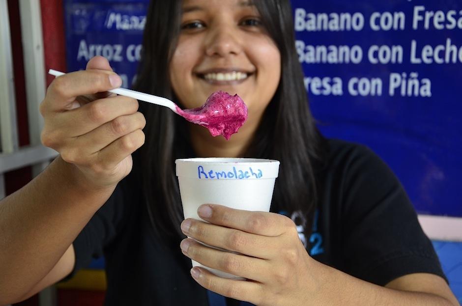 El helado de remolacha, uno de los sabores exóticos. (Foto: Selene Mejía/Soy502)