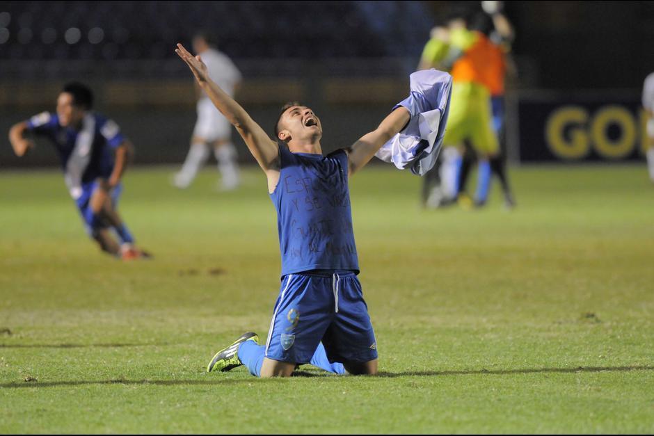 Henry López agradeció al cielo tras vencer a Estdos Unidos. (Foto: Soy502)