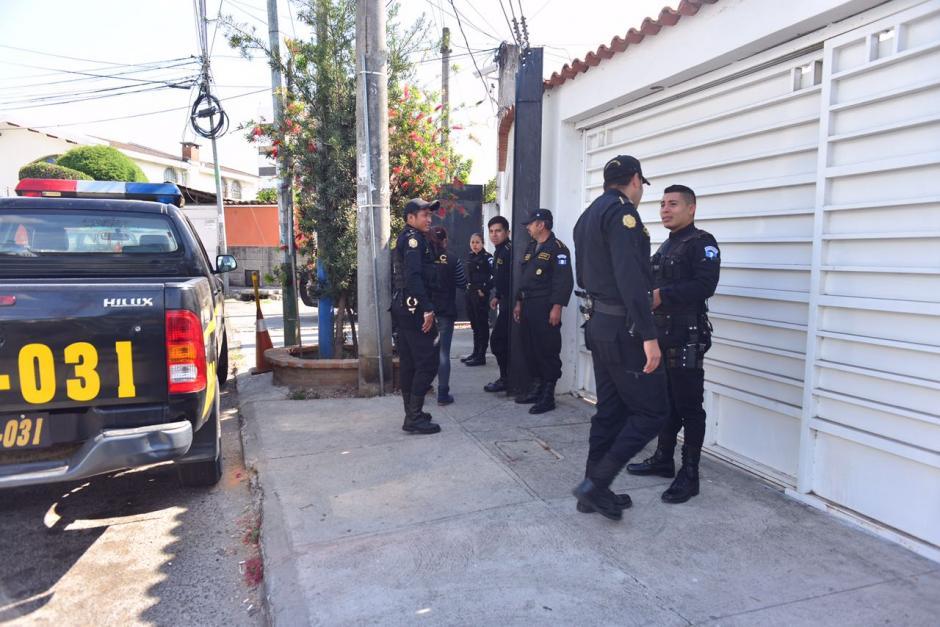 La Fiscalía de Lavado de Dinero lleva a cabo la diligencia. (Foto: Jesús Alfonso/Soy502)