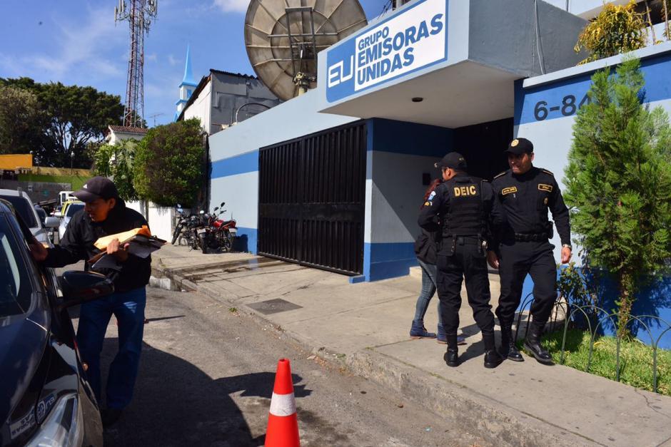 Los allanamientos se desarrollan en Emisoras Unidas. (Foto: Jesús Alfonso/Soy502)