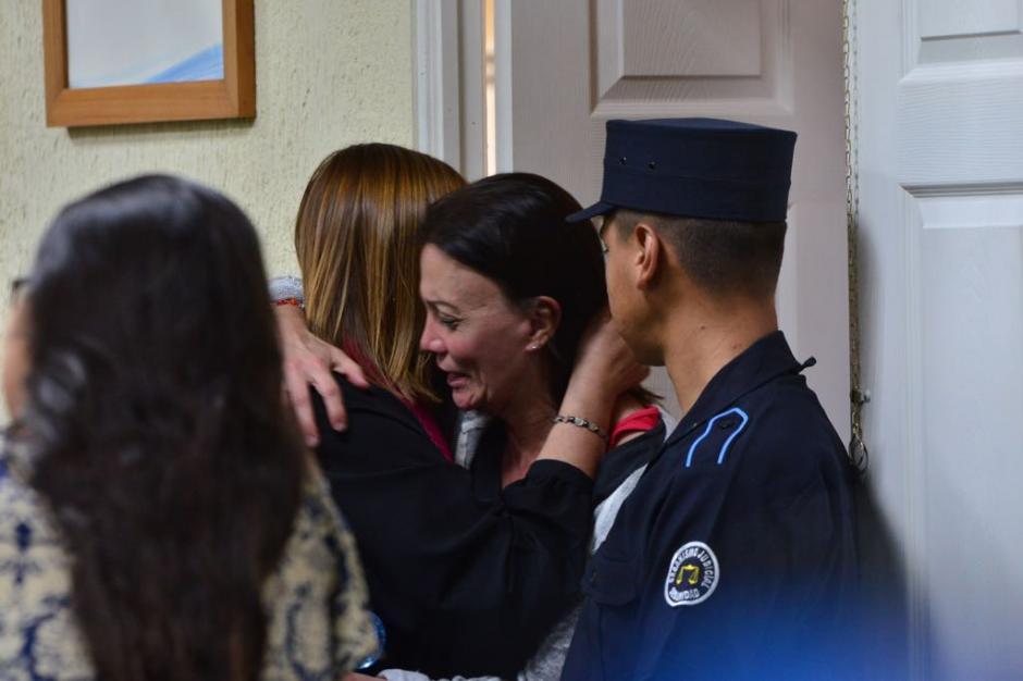 Así reaccionó Anahí Keller al escuchar la resolución del juez. (Foto: Jesús Alfonso/Soy502)