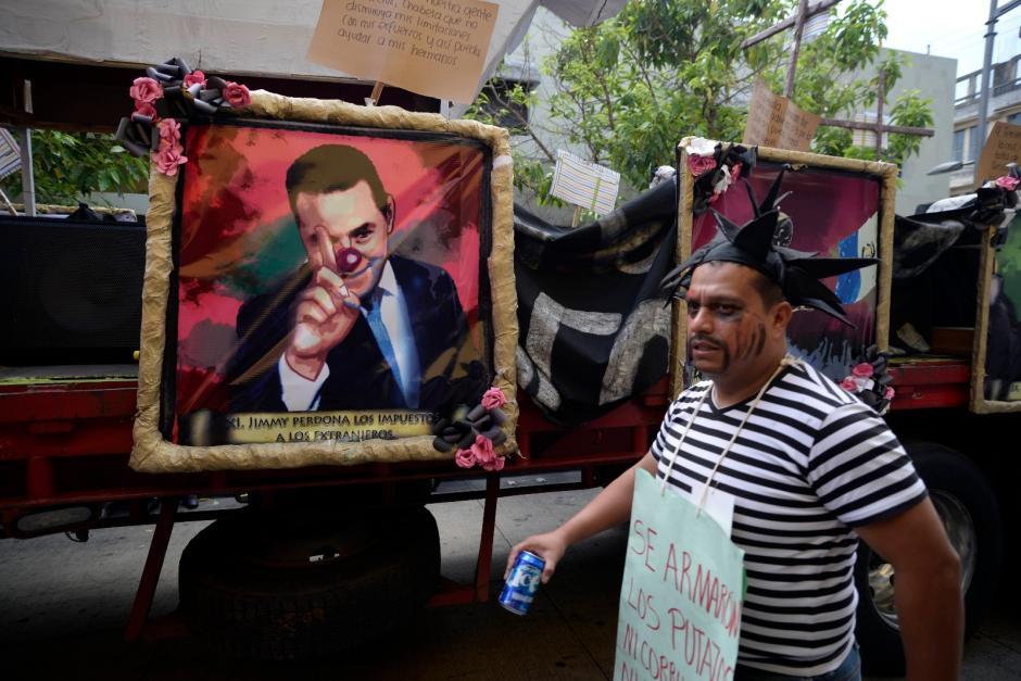 Jimmy Morales fue el principal personaje del desfile. (Foto: Wilder López/Soy502)