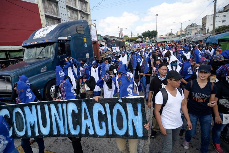 La Escuela de Ciencias de la Comunicación con su toque peculiar. (Foto: Wilder López/Soy502)