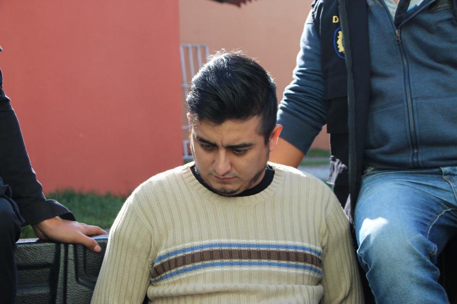 Los dos presuntos implicados fueron capturados en Villa Nueva. (Foto: PNC)