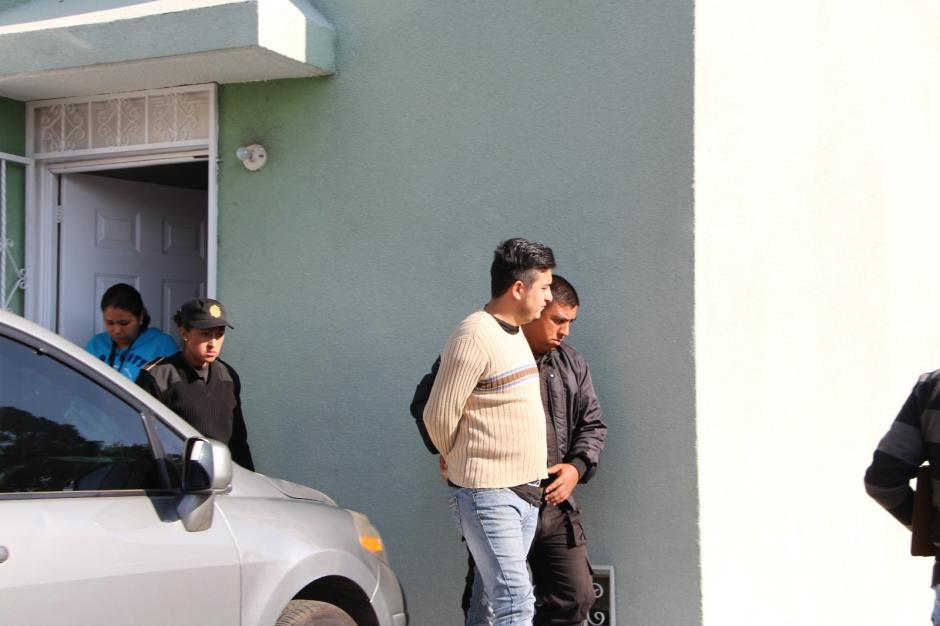 El robo se dio en la madrugada del lunes en una agencia de la calzada Roosevelt. (Foto: PNC)