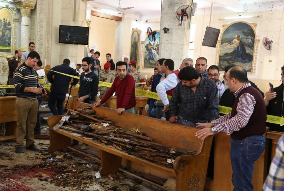 Duras imágenes en el interior de las iglesias atacadas. (Foto: AFP)