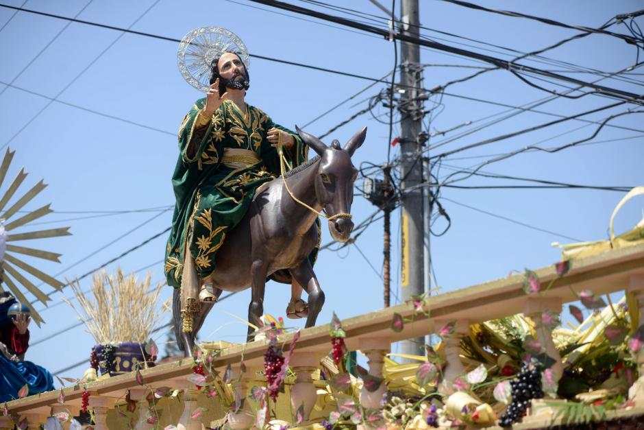 Jesús de las Palmas sale a las calles para rememorar su entrada triunfal a Jerusalén. (Foto: Wilder López/Soy502)