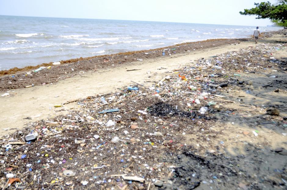 Turistas y los mismos pobladores contribuyen a la contaminación del lugar. (Foto: Deccio Serrano)